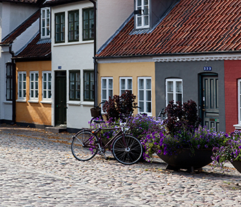 11186_Street life and buildings from Odense_Kim Wyon