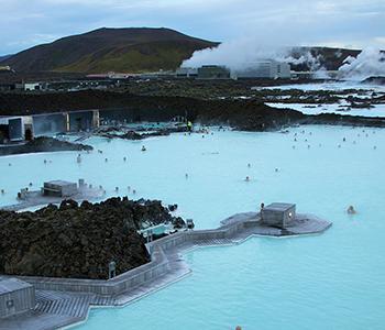 1280px-Iceland_-_Blue_Lagoon_09_(6571266721)