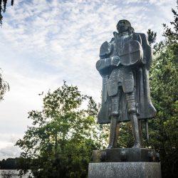 Statua heroja, dvorac Olavinlinna. Izvor: Zoran Babic