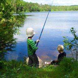 Ribolov na jezeru, Dalarna. Izvor: Johan Willner/imagebank.sweden.se