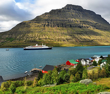 marco-polo-cruise-ship-arrives-in-eskifjordur-fjardabyggd