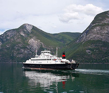 full_The_'Svanoy'__Norway_(By_Sergey_Ashmarin_CC_BY-SA_3.0)