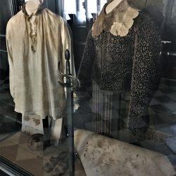 Posljednje odijelo kralja Kristiana IV sa krvavim mrljama. Izvor: Nordic Point