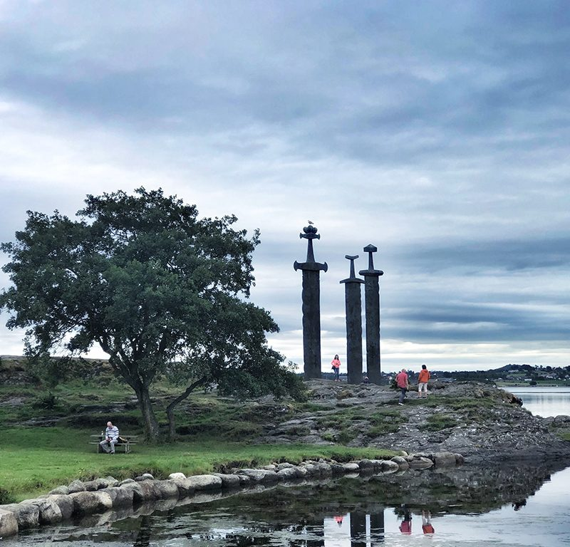 Sverd i fjell. Photo by Nordic Point